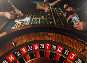 How Do Online Casinos Make Money?