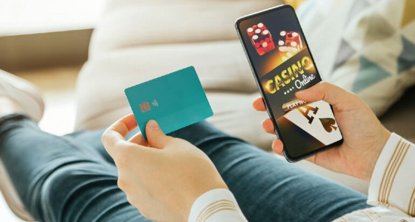 Apple Faces Another Lawsuit for Illegal Gambling Apps